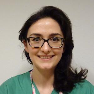 Téona Mdivani, Infirmière